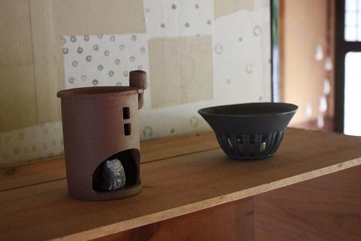 茶香炉の家とでんでんねこ